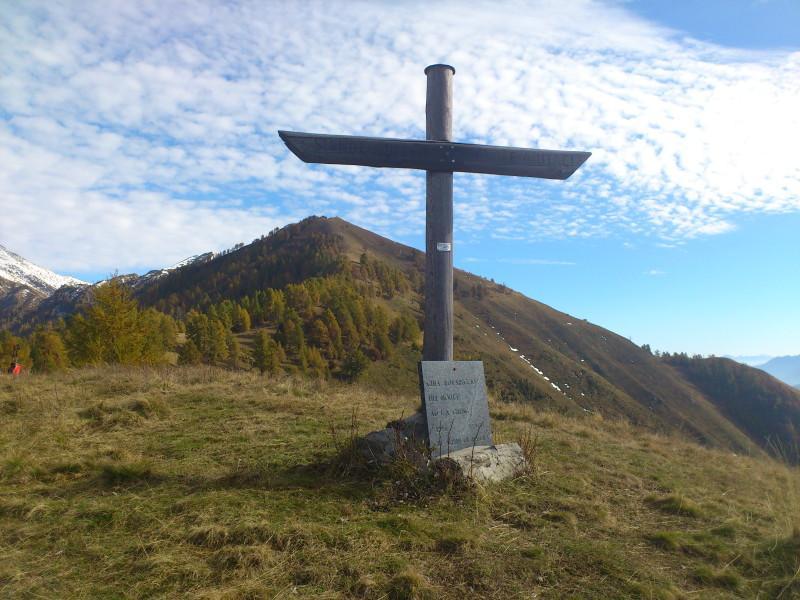 Croce di Rovareccio e monte Alom
