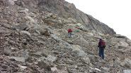 salendo lungo le rampe detritiche del versante SO della Tete de Courbe (21-10-2012)