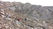 salendo la ripida pietraia che porta verso la Tete de l'Eyssiloun (21-10-2012)