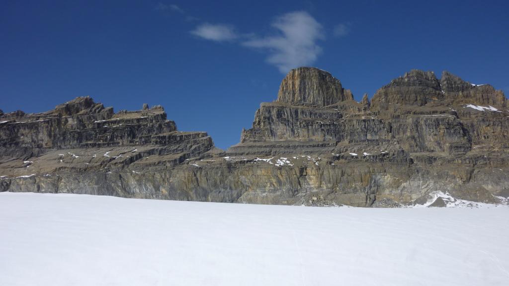 Il settore est delle Dents du Midi con, alla base, il ghiacciaio di Plan Névé
