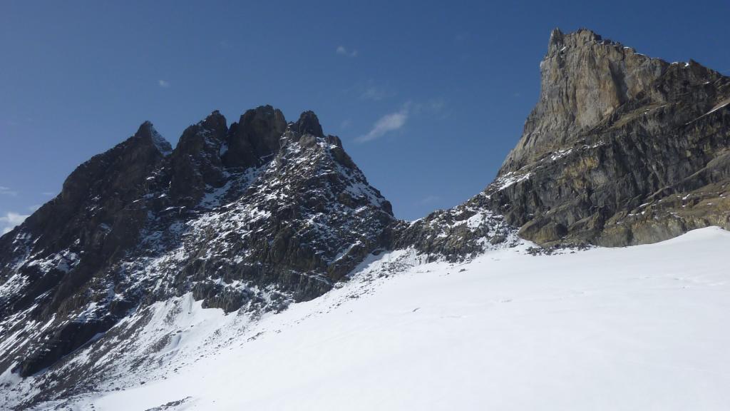 Il settore ovest delle Dents du Midi: a sinistra la Haute Cime, a destra la Dent Jaune