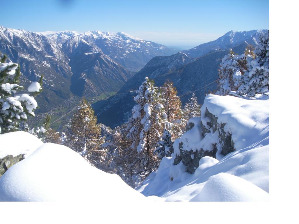 La bassa Valle d'Aosta dal Bec Gavin..