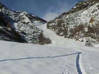 Il bel corridoio verso il colletto Crestàs-Tumlet