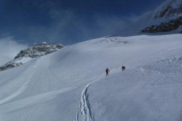Salendo al centro del ghiacciaio