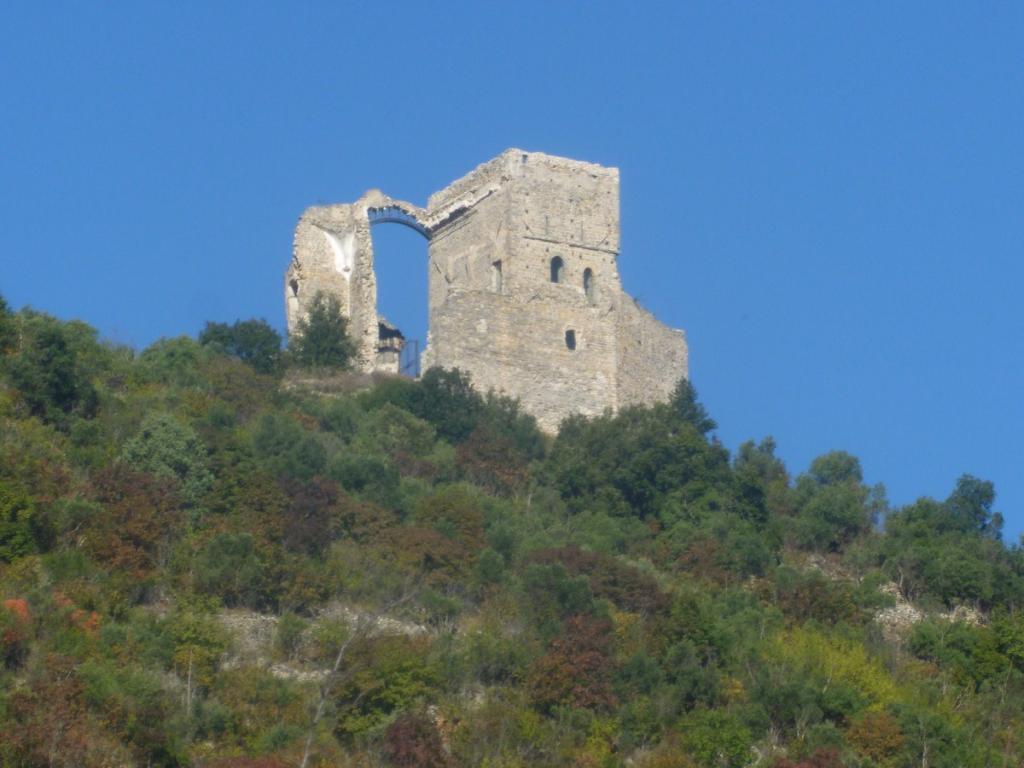 castello di Zuccarello
