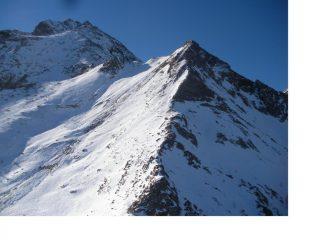 In primo piano la Cima Lusera con dietro piu' alta la Lunella..dalla Crestas