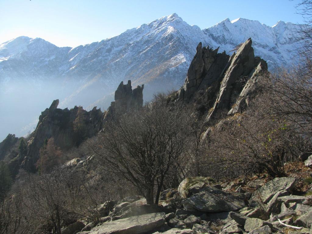 La frastagliata cresta del Mont Bellin