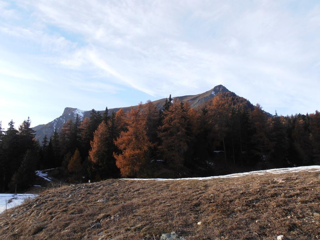 11 - Becca d'Aver(dx) e Cima Longhede(sx) viste dal Col des Bornes