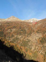 02 - Alpe di Viou vista da Blavy, in alto la Becca di Viou ed il Mont Mary