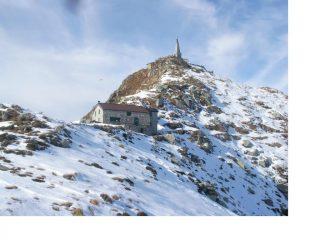 La Colma e il rifugio dalla cresta al Bric Paglie..