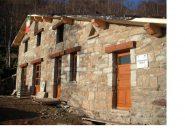 Il rifugio in ristrutturazione all'Alpe Pianetti..