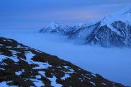 mare di nuvole e tramonto