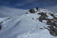 lungo la facile cresta SO del Monte La Vigna