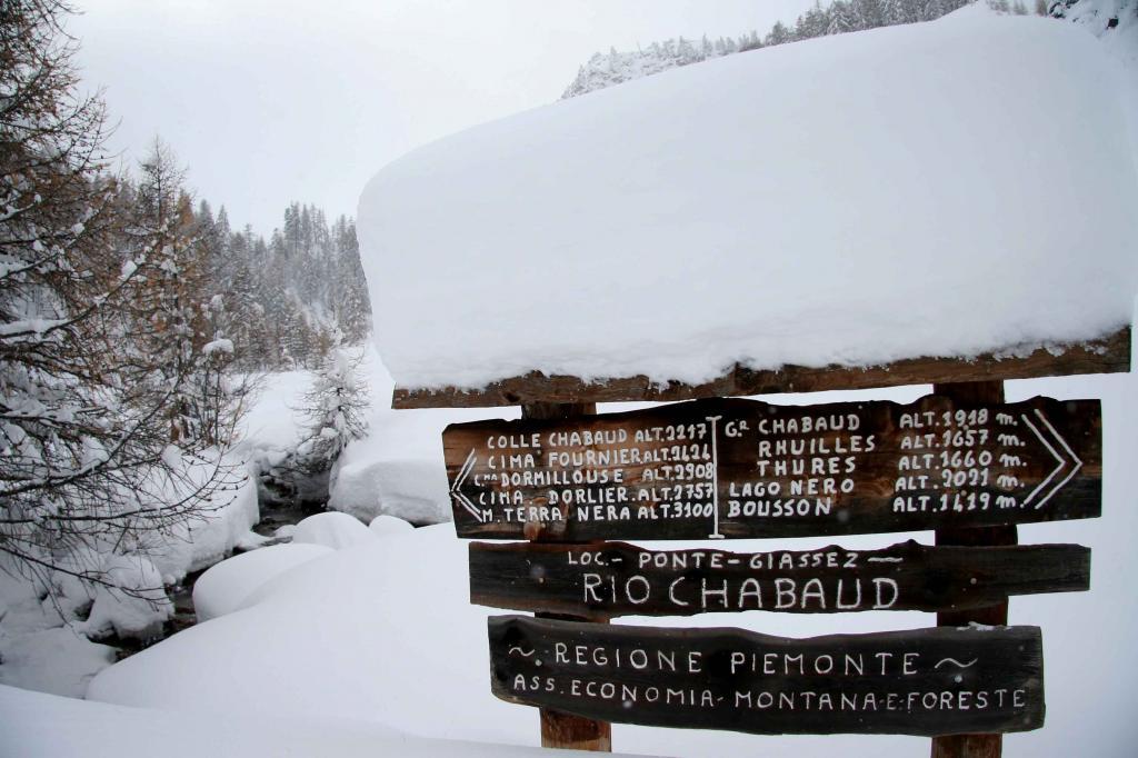 Quanta neve al bivio poco sopra le baite