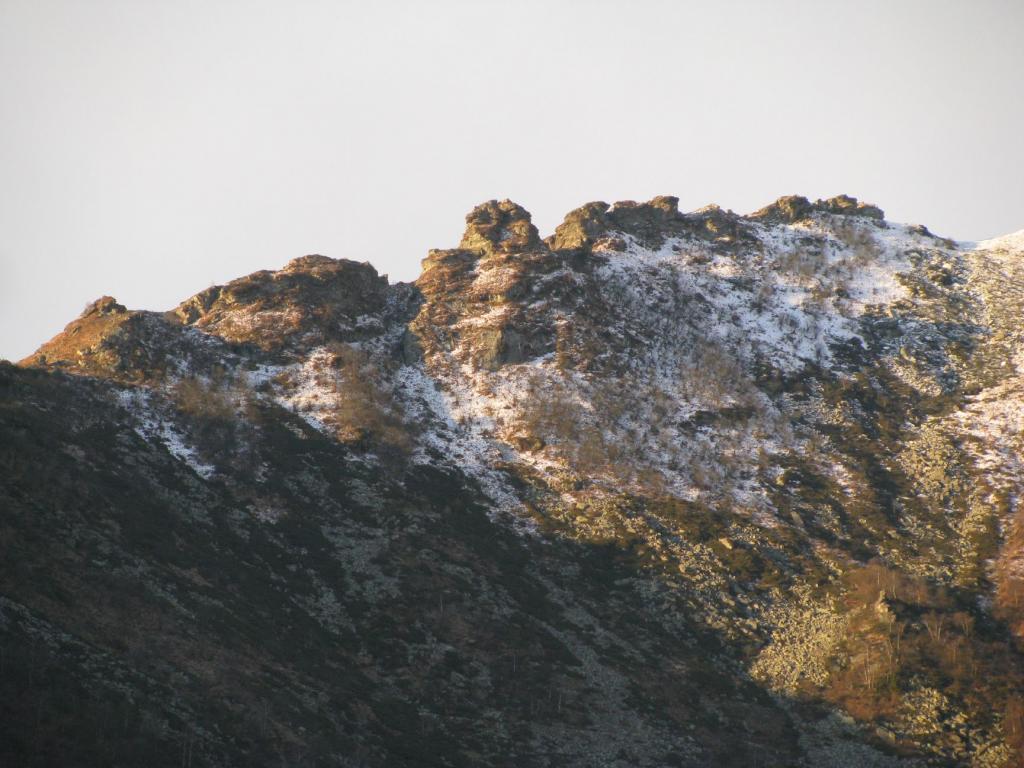 Zoom con al centro il Roc d'la Cruasera