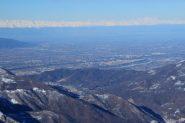 la pianura monregalese, buona parte dell'arco alpino occidentale e il Gruppo del Rosa dal Monte Creusa Occidentale (8-12-2012)