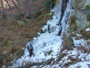 ostacolo ghiacciato sul percorso