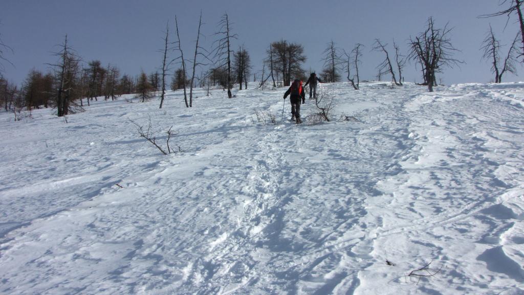 salendo per il crestone SO del Monte Birrone...03 (22-12-2012)