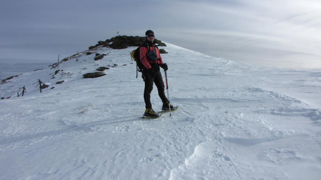io nell'ultimo tratto del crestone a pochi minuti dalla cima (22-12-2012)