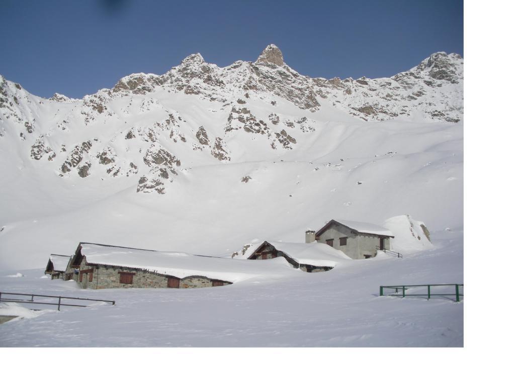 I Denti di Vessona dall'Alpe Champanament..