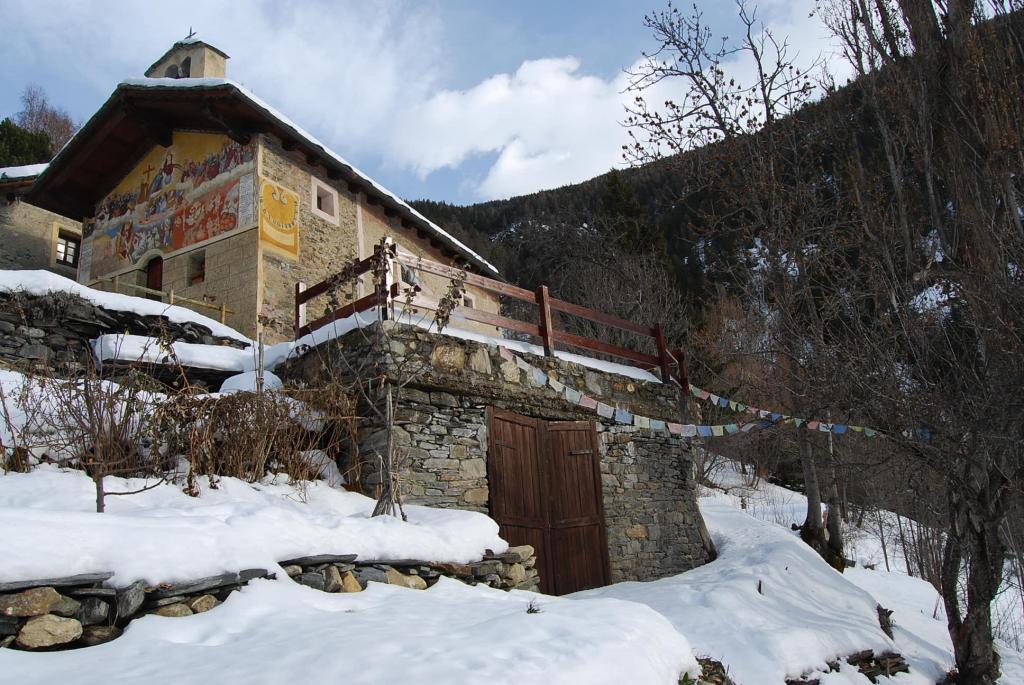 Charvaz (Villaggio) da Challancin, traversata a Ecours 2012-12-23