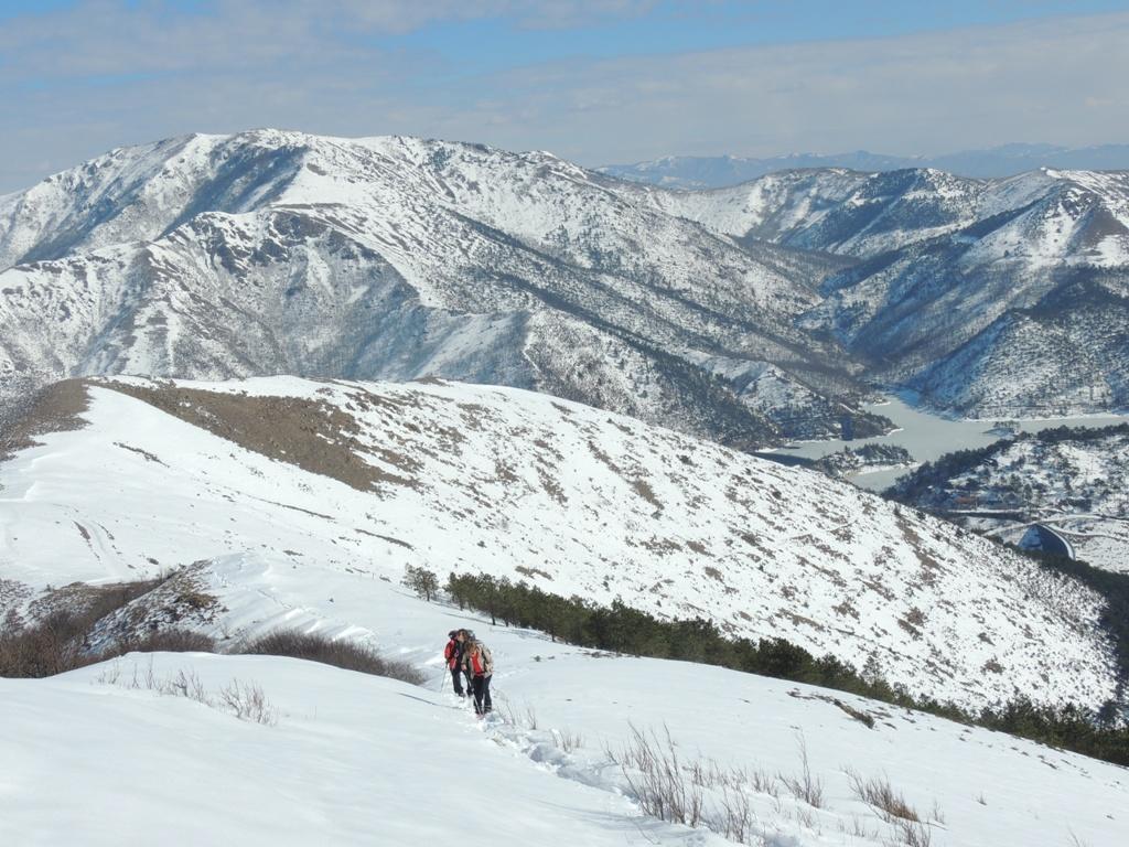 Inizia la salita alla cresta della Costa Lavezzara