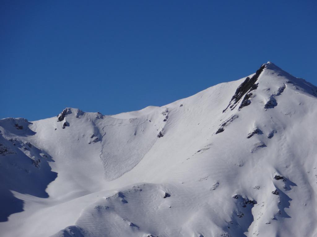 valanga lato sotto-vento alla cresta