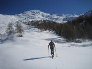 sullo sfondo il Monte Sotto Rognosa 3009 m.
