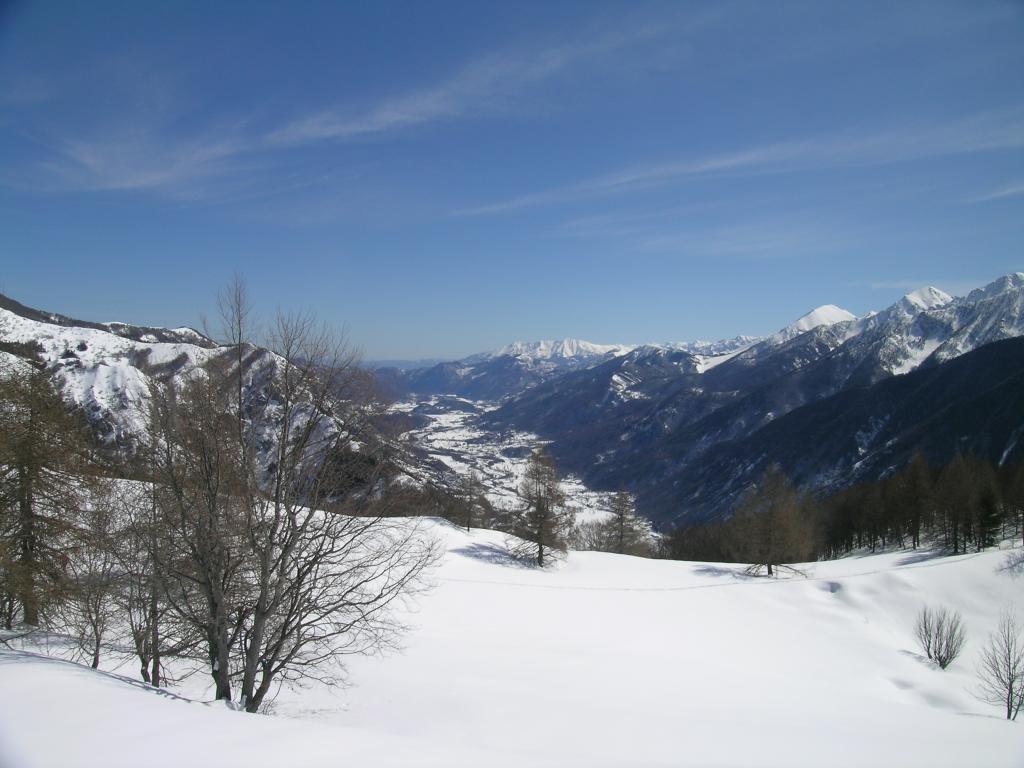 vista sulla valle Stura salendo poco sopra C. del Barro