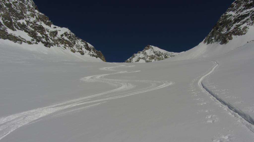 Curve sul ghiacciaio di Chardonney