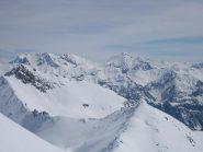 da sinistra: in primo piano Roche Gauthier 2749 m. ; dietro Chalance Ronde, Rochers Charniers,Trois Scies, Monte Chaberton