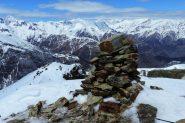vetta delle Cima delle Liste con il grande ometto di pietre (13-4-2013)