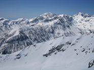 dalla cima: al centro il Monte Bego