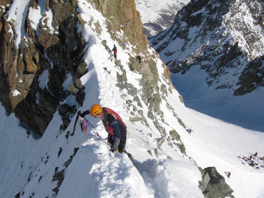 Eveque (l') da Arolla per il Bas Glacier di Arolla 2013-04-15
