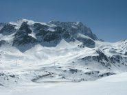Parte bassa della Val d'Agnel e vista su
