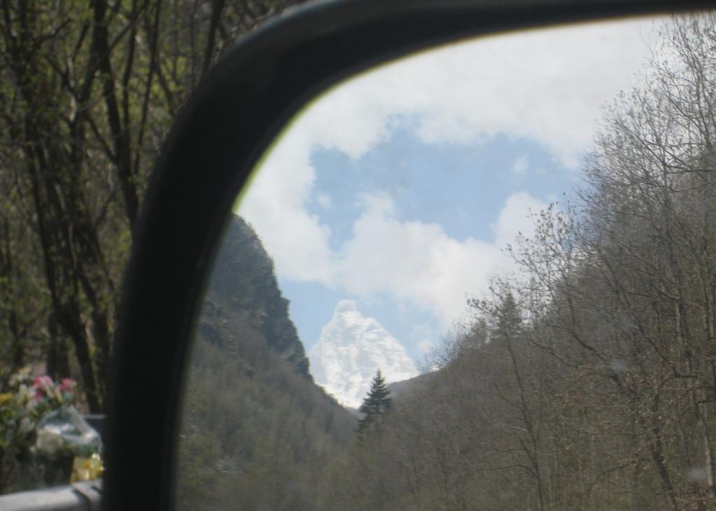 specchietto delle mie brame, qual'è il monte più bello del reame?