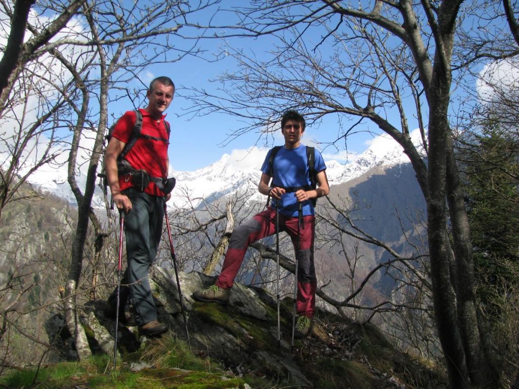 Franco e Stefano sulla sommità di Costa Doccia
