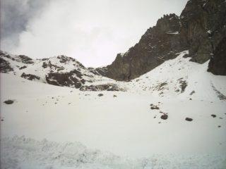 I pendii orientali del Col d' Eyele fotografati dai pressi del lago Margheron