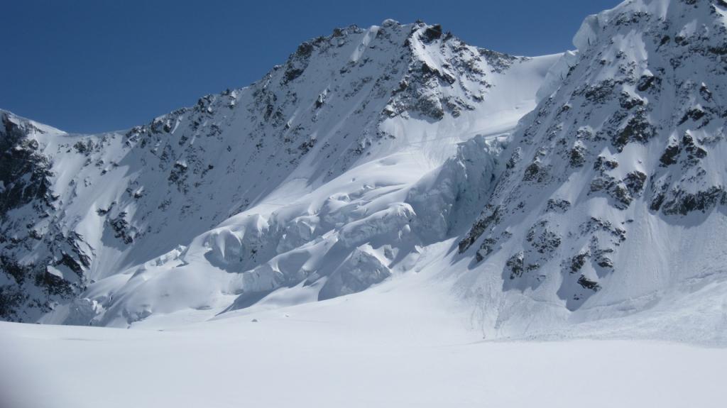 Zinalrothorn, spalla 4017 m Traversata da Mountet - Moming da Zinal 2013-05-05
