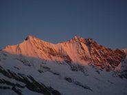 L'alba dipinge il Taschhorn e il Dom