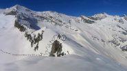 La traccia di discesa dal colletto 2710 m.  nel bacino di Nel