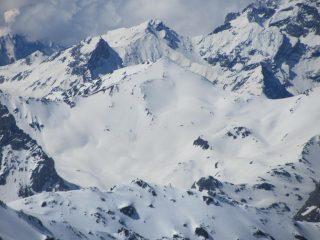 Dalla cima, il Pic Ombière, altra bella gita su neve (2012)