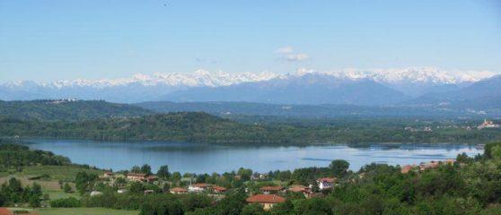 vista del lago di Viverone dal Castello di Roppolo