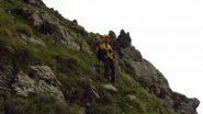 io alla base delle roccette affioranti sul costone Sud della Cima Donzella (19-5-2013)