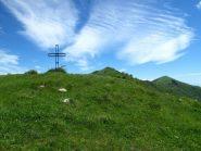 La Croce dell'Aurigo, il Monte delle Vallasse e il Guardiabella