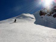 Luca ed Alberto tentano di forzare il passaggio in sci