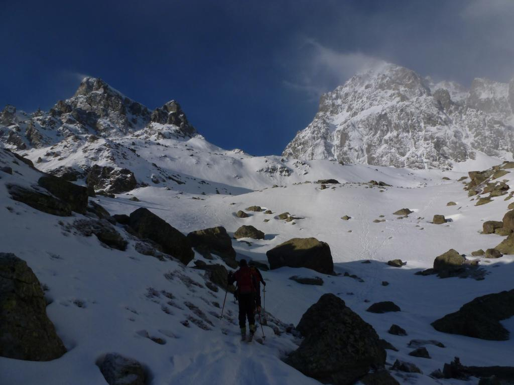 Neve continua e vento fresco nel vallone del rio dei quarti