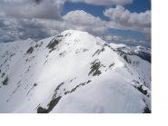 La cima centrale di Malaterra..dalla Cima Nord..e l'ormai lontana Rocca Negra al fondo a sx..