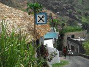 Un villaggio lungo la strada
