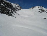 tracce di valanghe e di sci sotto il colle del Carro